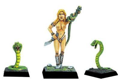 Schlangenpriesterin der Amazonen