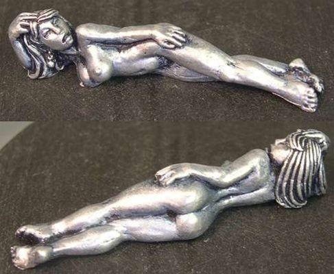 Ancenith, reclining harem female